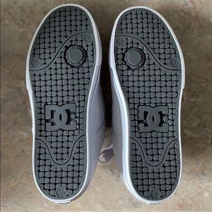 DC Shoes - NWT DC Skate shoes white